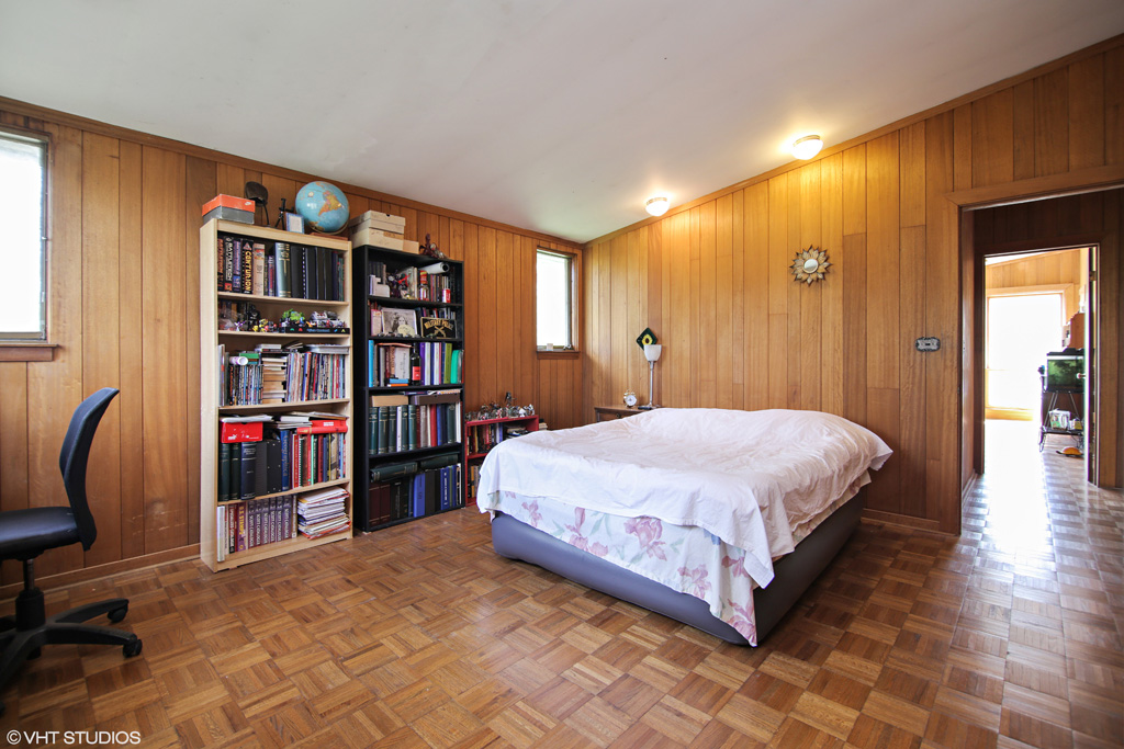 Contact Lou Zucaro at 312.907.4085 or lou.zucaro@bairdwarner.com today to arrange for a private showing.