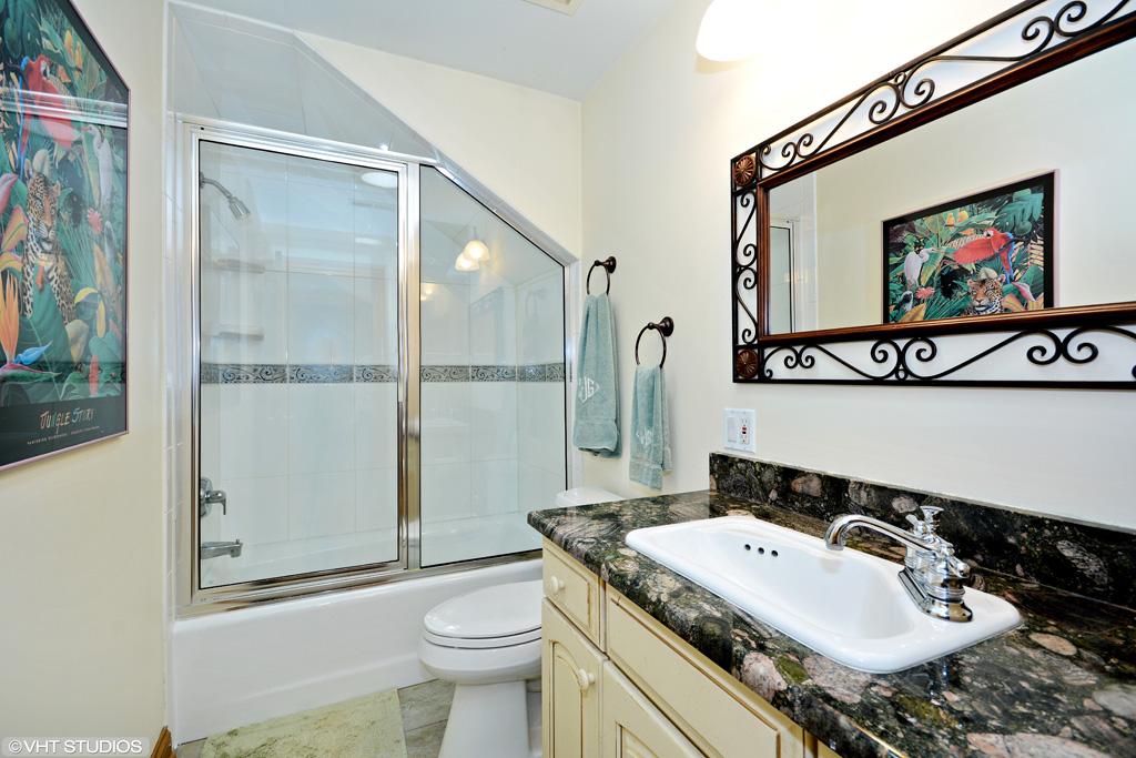 12 Back Bay Drive, South Barrington - Contact Lou Zucaro at 312.907.4085 or lou.zucaro@bairdwarner.com to arrange a private showing